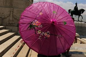 No nose-picking: China chides its 'unruly' tourists