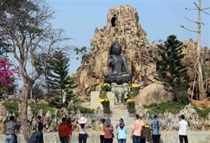Vietnam receives over 3.68 million foreign tourists in nine months