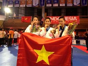 Vietnam take first gold at world champs