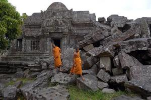 Top UN court awards flashpoint temple area to Cambodia