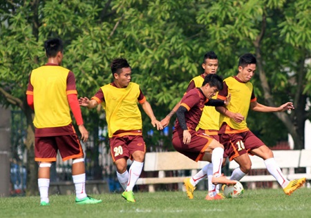 Vietnam seeks win over Laos in bid for semis