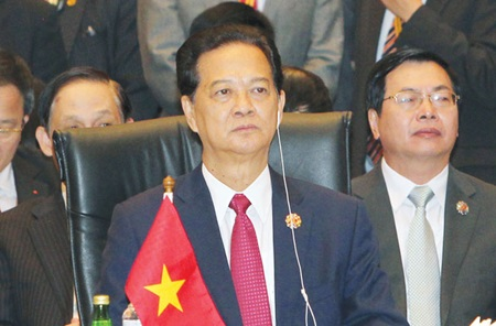 PM urges peaceful East Sea resolution