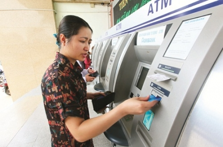 Greedy banks force ATM users to hunt for free-of-charge services
