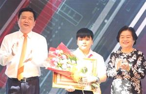 HCM City honours 10 outstanding young citizens of 2016