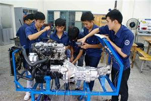 HCMC vocational schools struggle to enroll students
