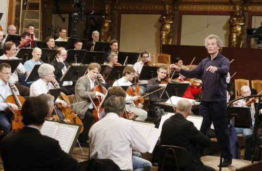 Vienna New Year's concert rings in 2013 with Wagner, Verdi