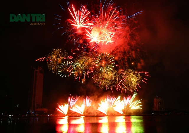 Danang International Fireworks Festival 2017 to last for two months