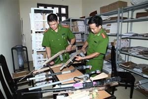 Probe into online weapons trading ordered