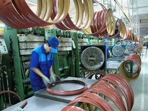 Manufacturing sector's output rises at near-record pace in November