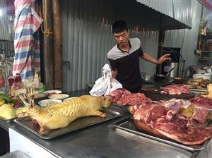 Slaughtered animals sold at Hanoi largest spring festival