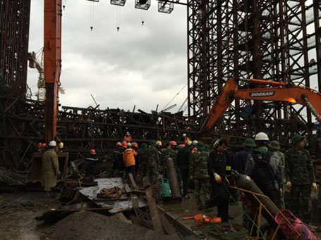 Scaffold crash company employees barred from leaving Vietnam