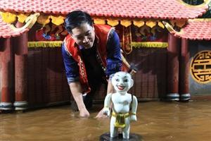 Vietnamese water puppetry heads to US