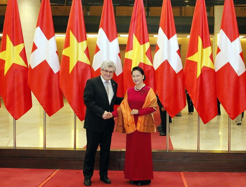 NA Chairwoman holds talks with Swiss President of Council of States DTiNews