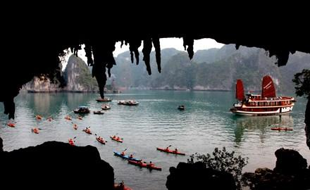Kayak tours to be suspended on Ha Long Bay
