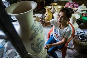 Hanoi to open vocational training courses in craft villages this year