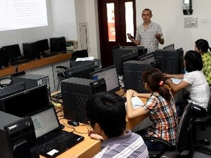 French group helps train hi-tech engineers in Vietnam