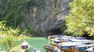 Quang Binh launches helicopter tours