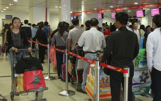 Tan Son Nhat Airport faces rising over-crowding