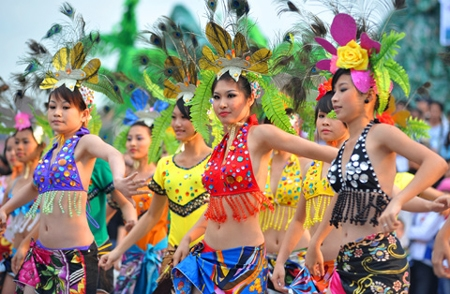 Carnival Hạ Long to feature stage show this year