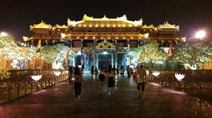Hue kicks off golden tourism week at Hue Heritage Site