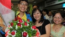 Vietnamese students awarded at Intel ISEF 2013