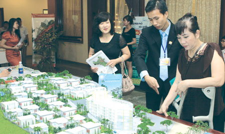 Property experts call for new approach