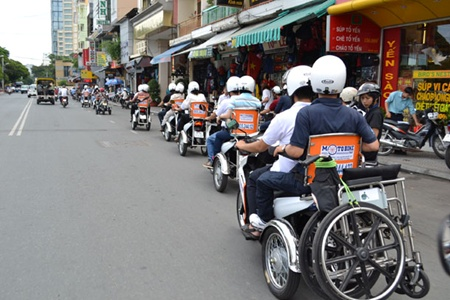 Free transport provided for people with disabilities in HCM City DTiNews