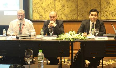 Conference debates sustainable energy obstacles