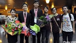 Vietnam wins two golds at International Physics Olympiad