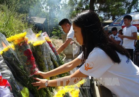 young vietnamese expats pay tribute to general vo nguyen giap hinh 0