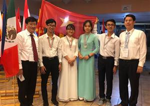 Vietnamese students win four medals at International Biology Olympiad
