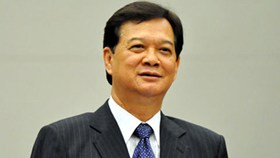 PM Dung leaves for China Summit