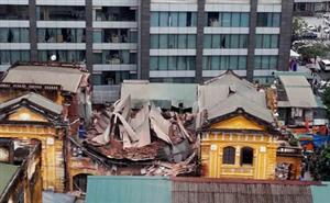 Old building collapsed in Hanoi, two killed