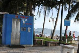 Smart toilets challenge users in Nha Trang