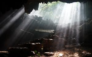 Thien Ha cave becomes an attractive destination in Ninh Binh province