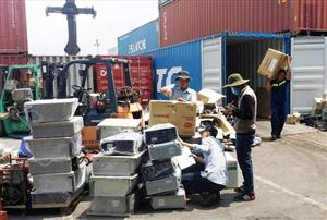 Over 1,000 scrap containers to be re-exported from Ho Chi Minh City