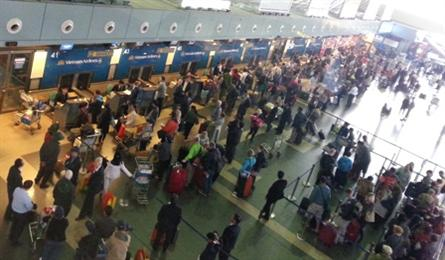 Officials admit to problems with two largest airports in Vietnam