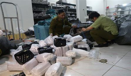 Nearly 1,500 fake bags with famous brands seized in Hanoi