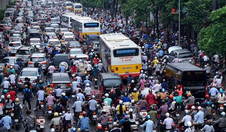 Vietnam severely behind on public transport usage