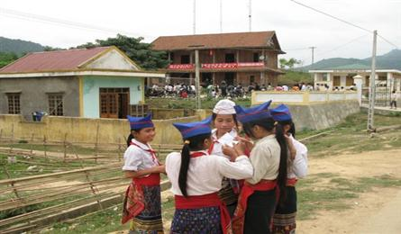 Cultural custom forces Mông girls into child marriage