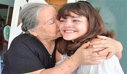 French woman finds Vietnamese father after 26 years