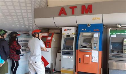 ATMs continues troubling people on Tet