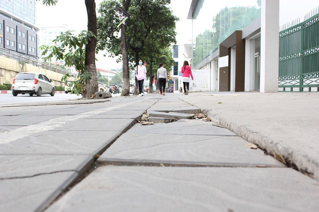 Hanoi halts street paving project