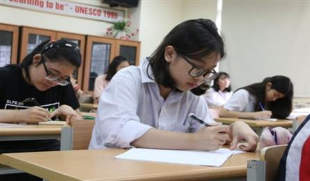Korean, German piloted as first foreign languages at Vietnamese schools