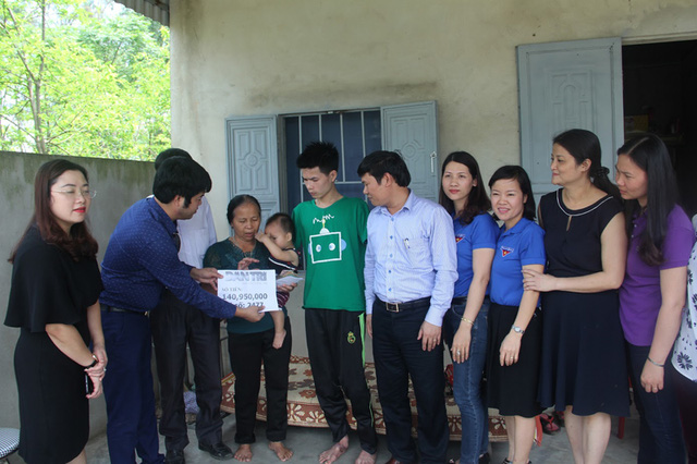 DTiNews readers support poor man losing arms after accident