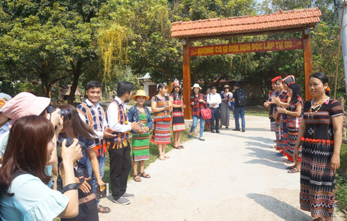 Japanese-funded tourism project helps Vietnamese ethnic minority