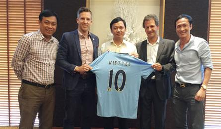 Man City plans to open football academy in Vietnam