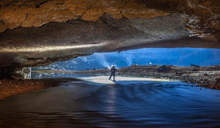 The beauty of Son Doong cave shown on int'l media sites