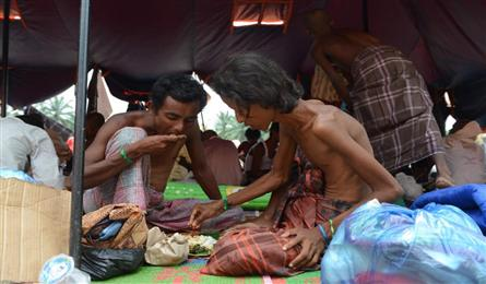 Myanmar to deport migrants as UN chief urges further rescues