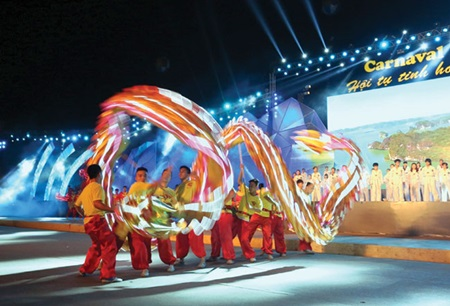 Carnival promotes Ha Long as place to live and play